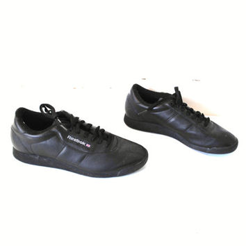 black REEBOK runners 90s vintage classic Reeboks MINIMALIST low rise athletic shoes joggers size 9