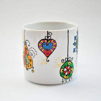 Custom hand painted decorations on the coffee mug. Handpainted mug, custom mug, coffie mug, tea cup, unique gift