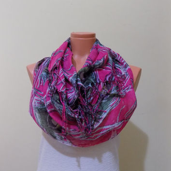 ON SALE % 15 Feather Loop Scarf Feather Circle Scarf-Feather Infinity Scarf-Pink Feather Scarf-Feather Print Scarf -Unique Women Wing scarf