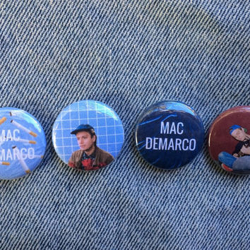 Mac DeMarco pin back buttons