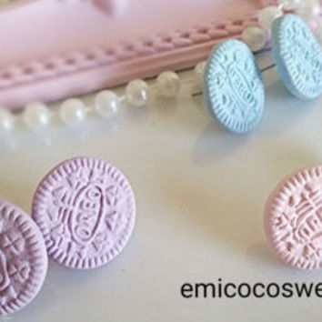 Pastel Oreo Earrings,Fairy kei, Pastel goth,Oreo cookie studs earring,Kitsch jewellery,Fun Food earrings,Kawaii Food jewellery,FREE SHIPPING