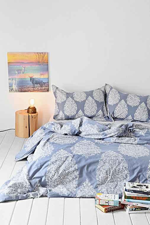 plum & bow kylee duvet cover from urban outfitters