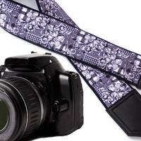 Black and white Camera strap. Flowers camera strap. Floral camera strap.  DSLR  Camera Strap. Camera accessories. Canon Nikon camera strap.