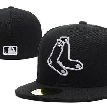 CREY8KY Boston Red Sox New Era MLB Authentic Collection 59FIFTY Hat Black-White