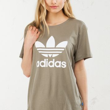 adidas Trefoil Tee in Olive