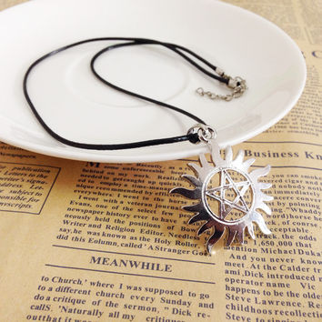 The New 2015 Hot Tomb Notes Necklace Sunlight Magical Pentagram Pendant Necklaces Jewelry Supernatural Men Amulet Rune Necklace