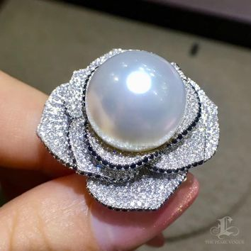 CUSTOMIZE | 15-16 mm White South Sea Pearl Luxury Ring, 18k Gold w/ Diamond - AAAA