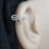 Cutie bow Silver Cartilage hoop (Left or Right piercing please leave a note)