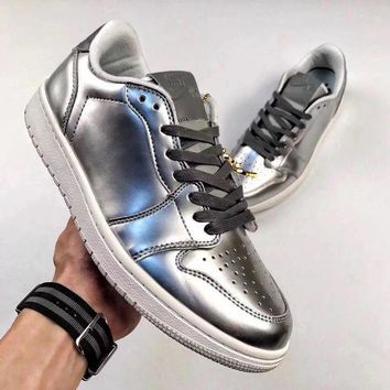 DCCKIG3 Nike Air Jordan 1 low Sliver