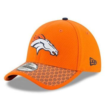Denver Broncos New Era 39THIRTY NFL 2017 Sideline On Field Cap Flex Hat Stretch