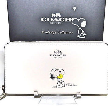 COACH X Peanuts Limited Edition SNOOPY Leather Zip Around White Wallet NWT