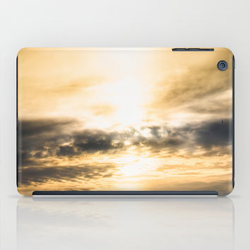 Cloudio Di Porno IV iPad Case by HappyMelvin