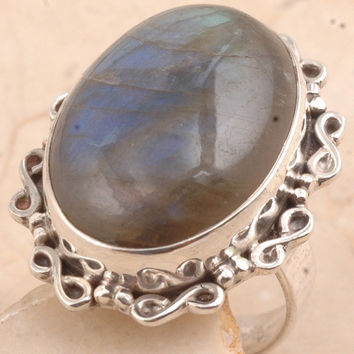 Marvelous Labradorite Ring in 925 Sterling Silver