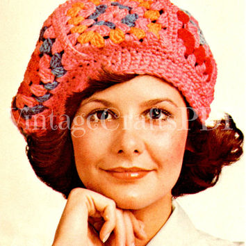 1970s Crochet Vintage Pattern | Granny Square Head-Turning Beret | easy retro one size fits most fun quick hippie hat cap | Direct from USA