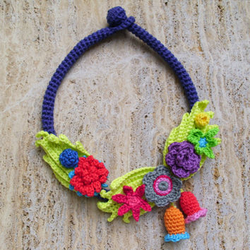 Colorful necklace Gipsy necklace Hippie necklace Fiber art necklace Chunky necklace Crochet necklace