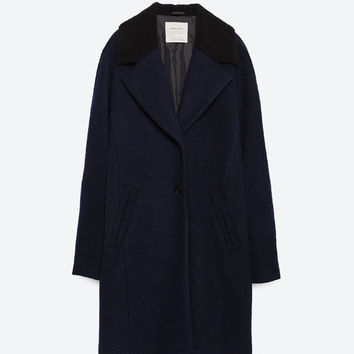 COAT WITH FLEECE LAPELS