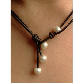 4 way leather freshwater pearl necklace,leather and pearls, leather pearl necklace,freshwater pearl necklace, pearl and leather