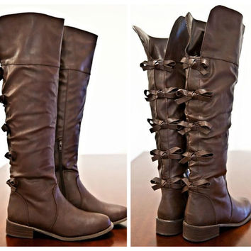 Anastasia Bow Back Boots
