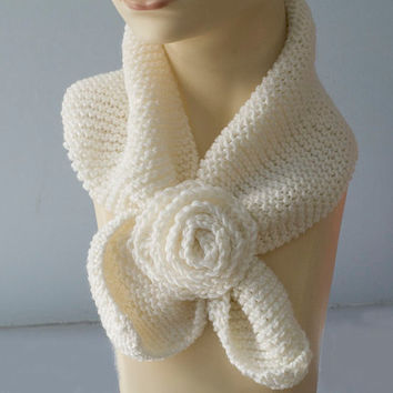 White Knit Neckwarmer,  Keyhole Scarf, Wool Self Tying Scarf, Stay in Place Scarf, Neck Warmer Cowl