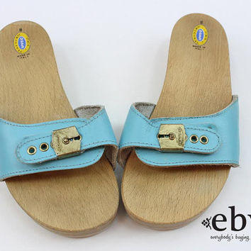 Vintage 70s Baby Blue Leather Dr. Scholls Flats 8 Dr. Scholls Shoes 8 Wooden Shoes Exercise Flats size 8 70s Flats 70s Sandals Leather Flats