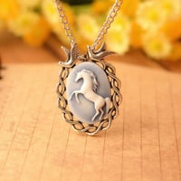 Charm necklace,unicorn necklace, resin unicorn pendant,alloy lover birds necklace--N064