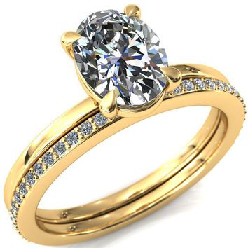 Cynthia Oval Moissanite 4 Claw Prong Solitaire Ring