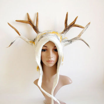 Horned Headdress for a druid cosplay or a fantasy LARP - White Deer Antlered Hat