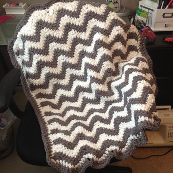 Super Soft Blanket - Chunky - Light Weight - Lots of colors