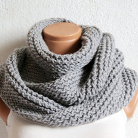 Knitted infinity Scarf. Block Infinity Scarf. Loop Scarf, Circle Scarf, Neck Warmer. Gray Crochet Infinity