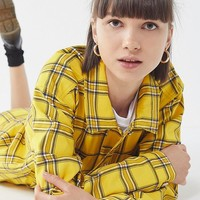 GUESS + UO Plaid Trucker Jacket | Urban Outfitters