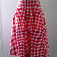 13-0767 Vintage 1950s Red Gingham Apron / Embroidered Apron / Red Apron / Red and White Check Embroidered Half Apron