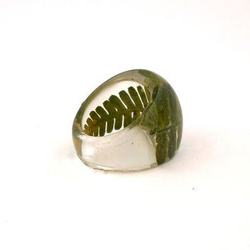 Fern Resin Ring. Pressed Flower Resin Ring. Green Cocktail Ring. Handmade Jewelry with Real Flowers - Dark Green Fern