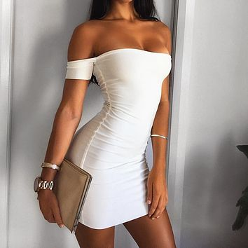 Fashionable black-and-white collar, brooch, sexy nightclub dress