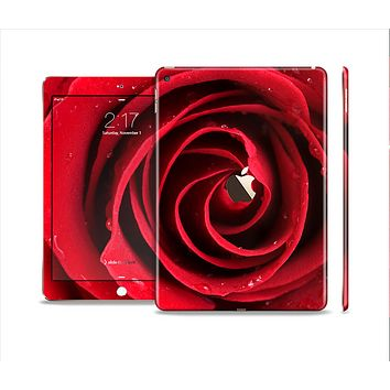 The Layered Red Rose Skin Set for the Apple iPad Air 2