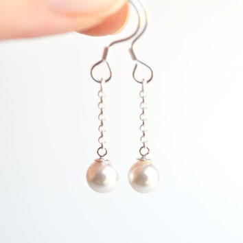Swarovski pearl drop earrings, dangle earrings, small pearl silver earrings, bridal pearl earrings, wedding jewelry, women's jewelry