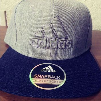 ESBON8C NWT Adidas Snapback daybreaker black and grey Cap Hat New