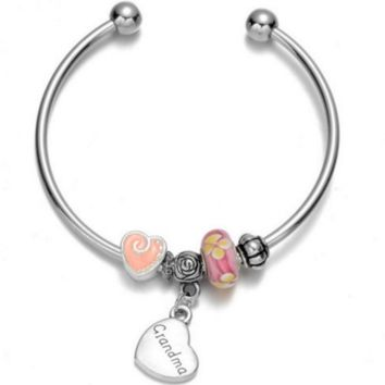 Romantic Grandma Heart Charm Bracelet - Perfect Gift For Grandmothers