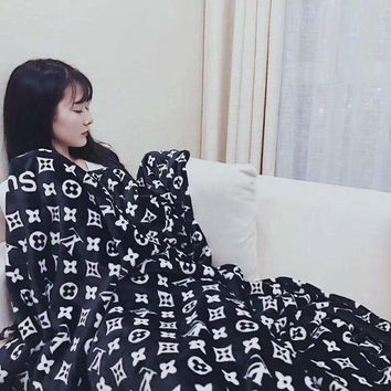 Lv X Supreme Conditioning Throw Blanket Quilt For Bedroom Living Rooms Sofa