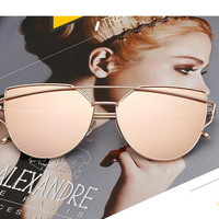 Personalized Cat Eye Sunglasses Women Luxury Brand Designer Oversized Sun Glasses For Women