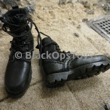 Chinese Peoples Liberation Army Special Forces Recon Boots W/ Feet & Pegs