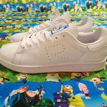 LMFON Adidas Originals Stan Smith Shoes Design With The Letter R In Vamp