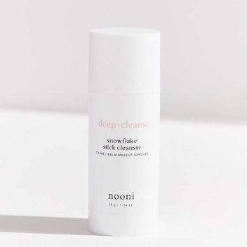 Nooni Deep-Cleanse Snowflake Stick Cleanser | Urban Outfitters