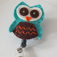 ID Badge Holder Retractable in Teal Felt Owl, Fashionable Badge Reel, Ready to Ship, Nurse Badge Reel, Teacher Gift
