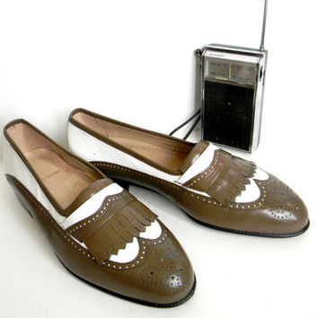 SALE Vintage Men Stacy Adams Leather Loafers. Brown White Saddle Shoes. Mad Men Fashion. Size 9 and a half. Spring. Summer
