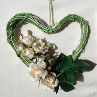 OOAK sweet gift, heart with roses, perfect gift for mom or grand ma,delicate home decor,ivory roses on heart,made in Italy  sweet  gift idea