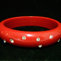 Red Lucite Rhinestone Bangle Bracelet, Crystal Glass, Layering Piece, Classic Style Bangle, Arm Party, Costume Jewellery 1017