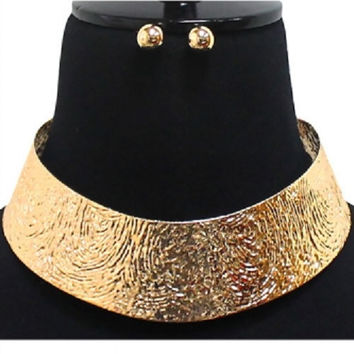 """8"""" gold hammered textured choker collar Necklace .25"""" earrings 1.50"""" wide"""
