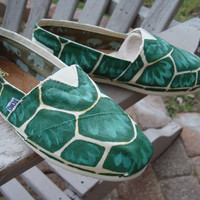 turtle shell printhand painted on TOMS shoesmade to by ArtfulSoles