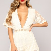Set The Date Lace Romper - Natural