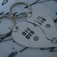 Big Sister Little Sister, Big Sis Lis Sis, Sister Gift, Gifts for Sister, Long Distance Keychain, Split Heart Keychain, Heart keychain, Gift